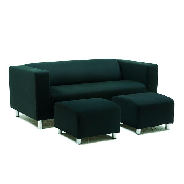 tmavě zelená sedací souprava s taburety