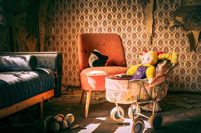 staré kočárky pro panenky